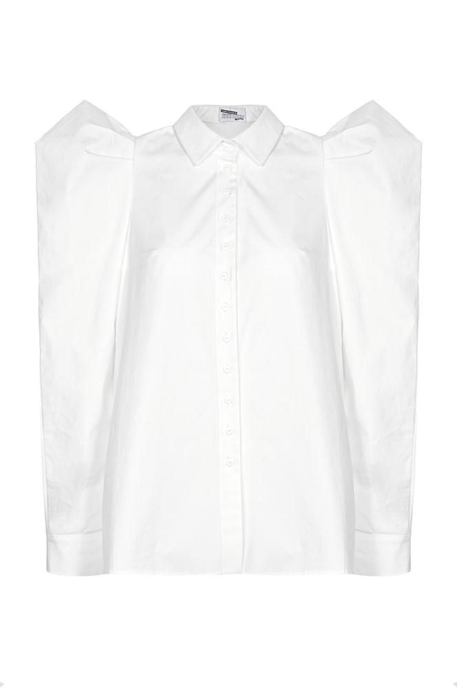 Певица Саша Савельева выбрала рубашку из коллекции «Dasha Gauser для «Пингвинов Мадагаскара»